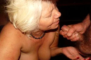 versaute oma sucht fuer einen geilen fick einen jungen fickkontakt